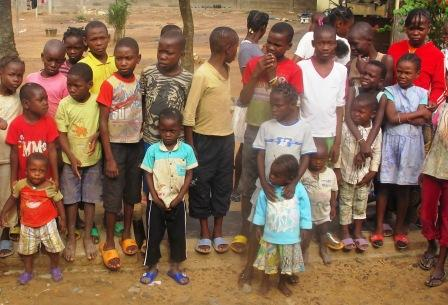90 bambini identificati, senza famiglia, chiedono aiuto