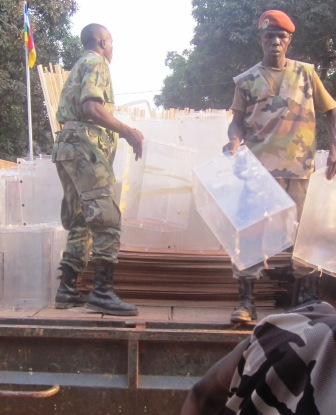 Début du déploiement du matériel électoral par la CEI